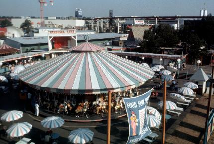 Carousel Park from Monorail Thumb.JPG (34311 bytes)