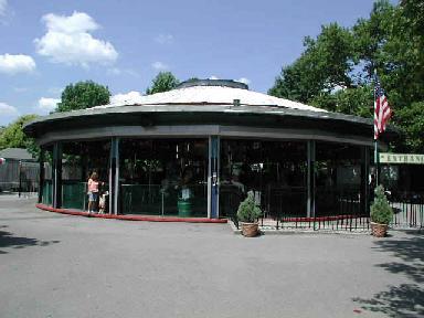 Carousel.JPG (21393 bytes)
